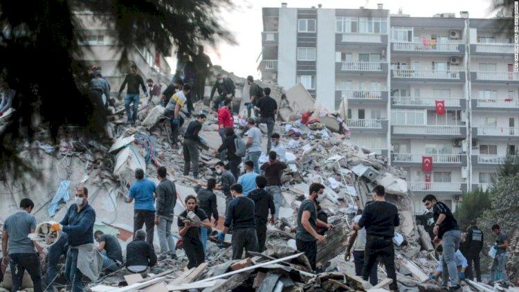 Earthquake rocks İzmir